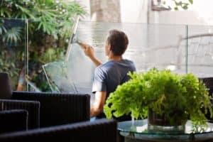 Fenster Reininung und Pflege