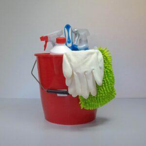 Werkstatt reinigen und Sanitär nicht vergessen